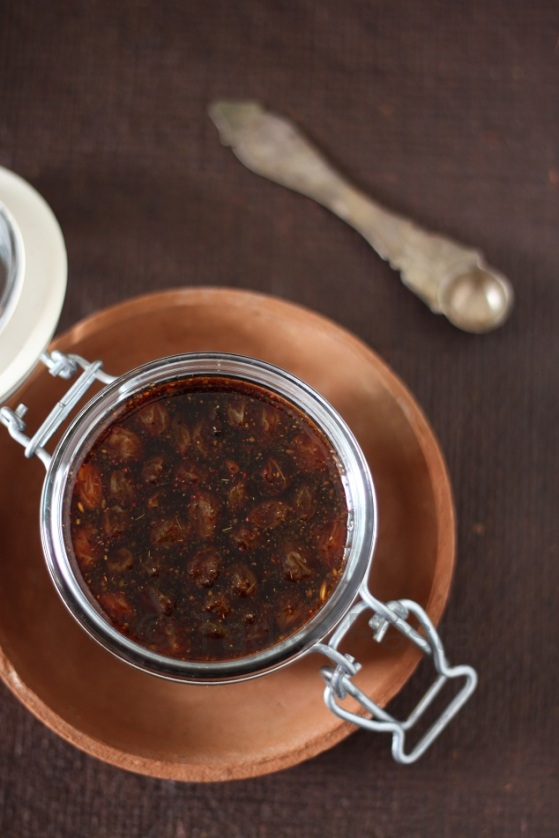 Date and Tamarind Sweet Chutney
