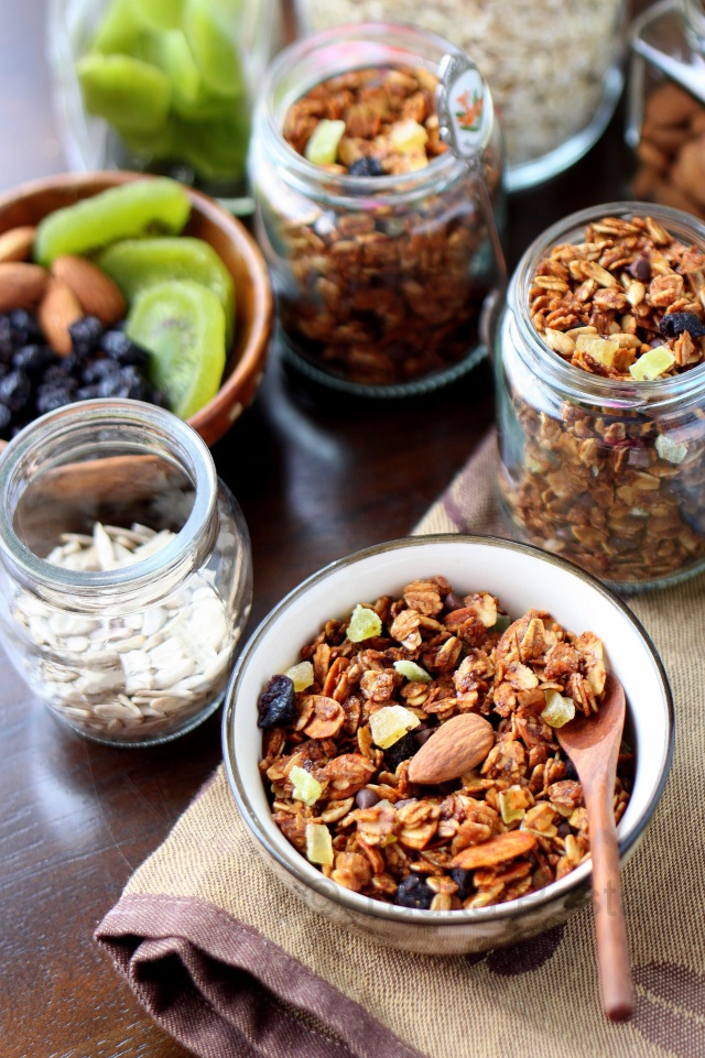 Fruit and nut honey granola